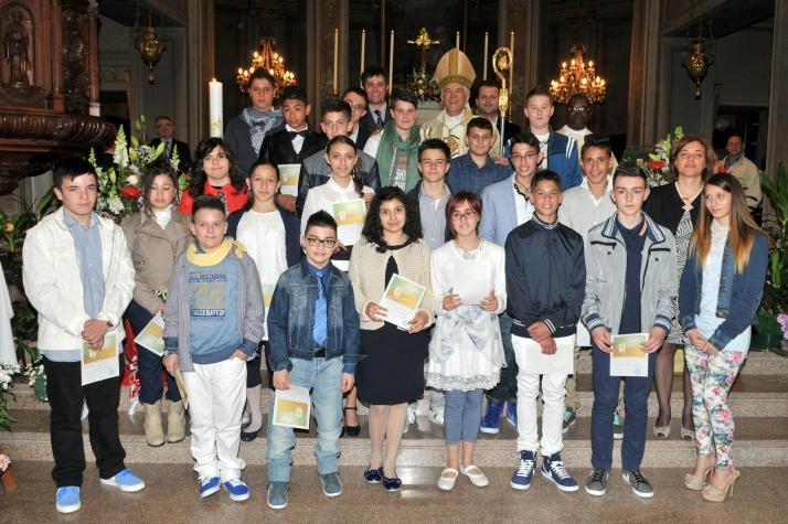 I Cresimati 2014 insieme a Sua eccellenza Monsignor Cerrato